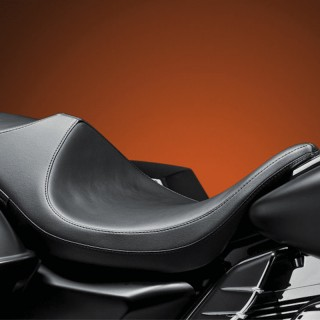 LE PERA SUPER VILLAIN SMOOTH SEAT HARLEY TOURING 08-19
