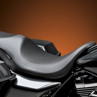 SELLA LE PERA VILLAIN SMOOTH SEAT HARLEY TOURING 08-21
