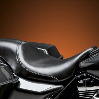 LE PERA SILHOUETTE SMOOTH SEAT HARLEY TOURING 08-21 WITH PYO/BAGGER NATION GAS TANK