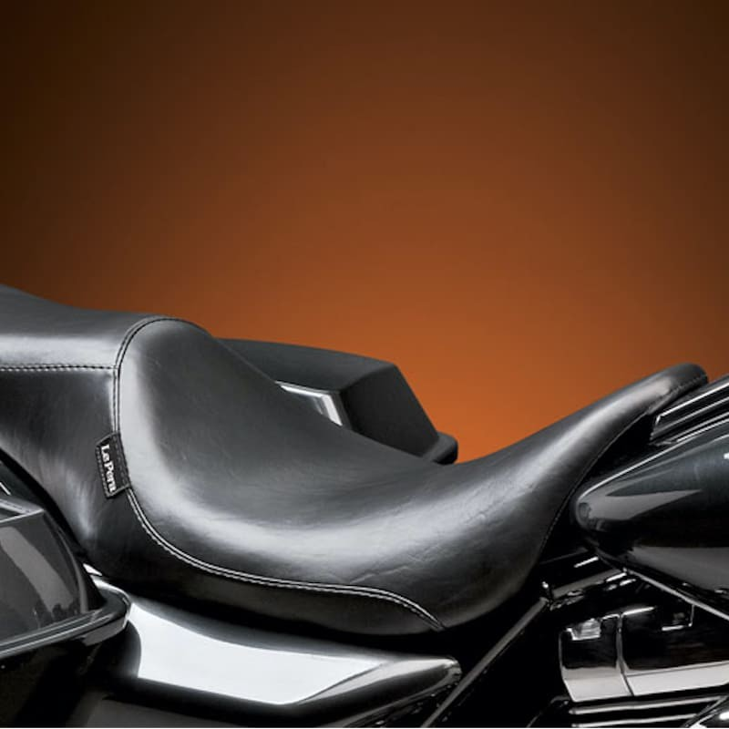 SELLA LE PERA SILHOUETTE SMOOTH 2 UP SEAT HARLEY TOURING 08-21