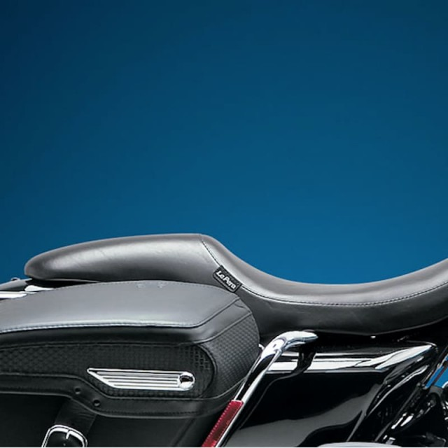 LE PERA SILHOUETTE SMOOTH SEAT HARLEY TOURING FLH-FLT 02-07 - SIDE