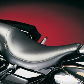 LE PERA SILHOUETTE SMOOTH SEAT HARLEY TOURING 02-07 WITH PYO/BAGGER NATION GAS TANK