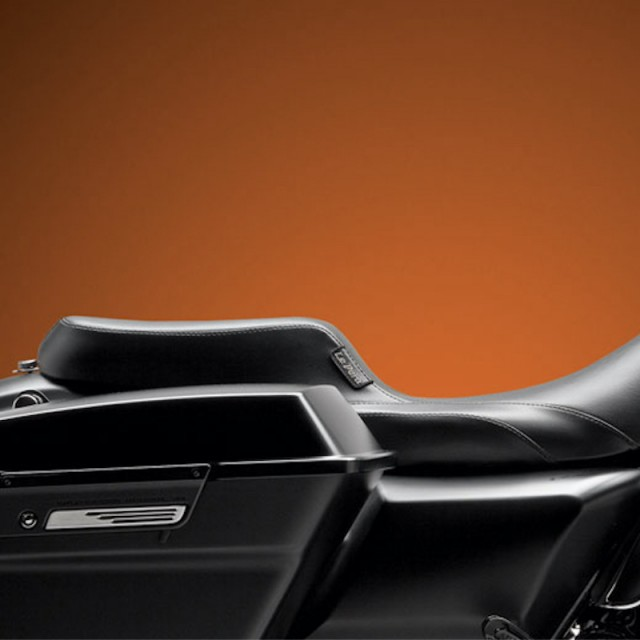 LE PERA NOMAD II 2 UP SMOOTH SEAT HARLEY TOURING 08-21 - SIDE