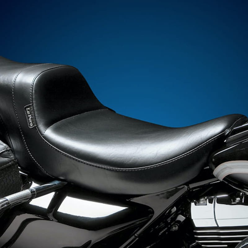 LE PERA DAYTONA TWO UP SMOOTH SEAT HARLEY TOURING 02-07