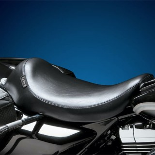 LE PERA SILHOUETTE SOLO SMOOTH SEAT HARLEY FLHT-FLTR 02-07