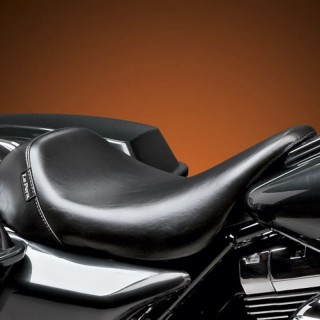 LE PERA BARE BONES SMOOTH SEAT HARLEY TOURING 08-21 WITH PYO/BAGGER NATION GAS TANK