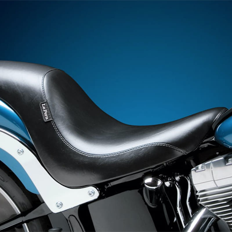 SELLA LE PERA SILHOUETTE SMOOTH SEAT HARLEY SOFTAIL 06-17