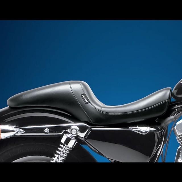 SELLA LE PERA DAYTONA SPORT FULL LENGTH SMOOTH SEAT HARLEY SPORTSTER XL 04-20 SERBATOIO 12,5 LITRI - LATO