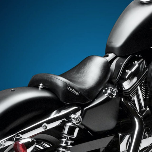 LE PERA BARE BONES SMOOTH SEAT HARLEY SPORTSTER XL 1200 10-20 - BACK