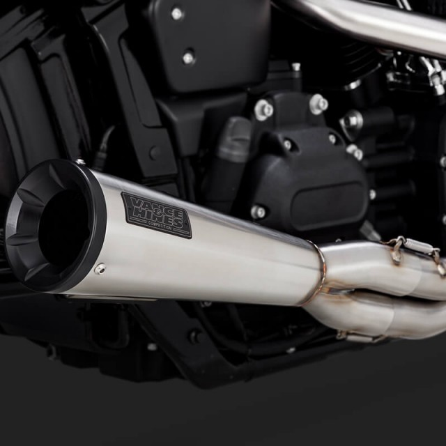 VANCE HINES STAINLESS 2-INTO-1 UPSWEEP EXHAUST FOR SOFTAIL 2018-2021 - DETAIL
